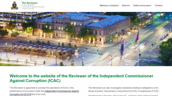The Reviewer website screenshot